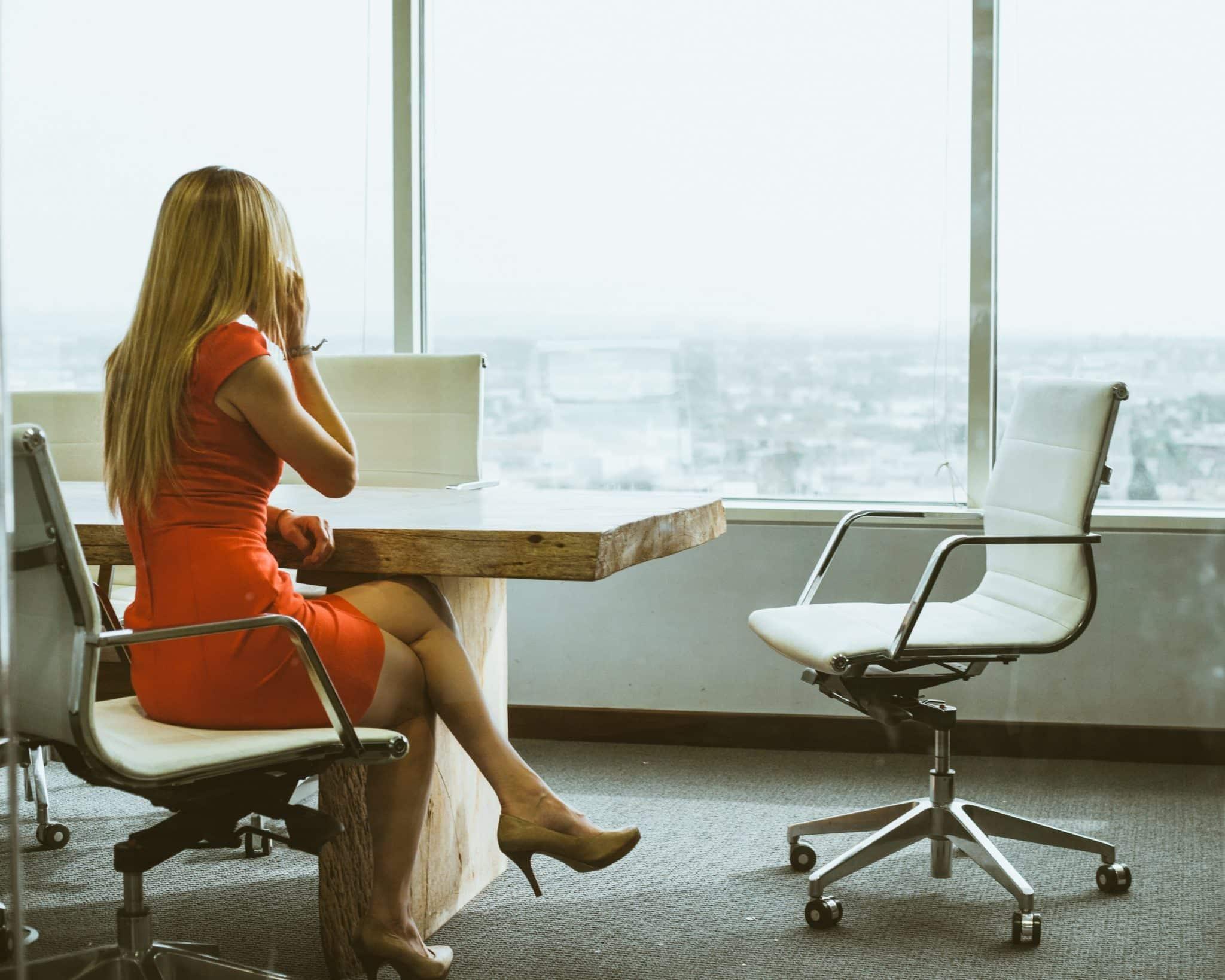 Comment les talons aiguilles nous renseignent sur les styles de management